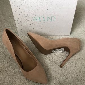Abound Faux Suede Taupe Heels Size 9